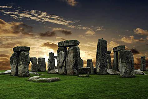 stonehenge construction stonehenge built as a symbol of peace and unity