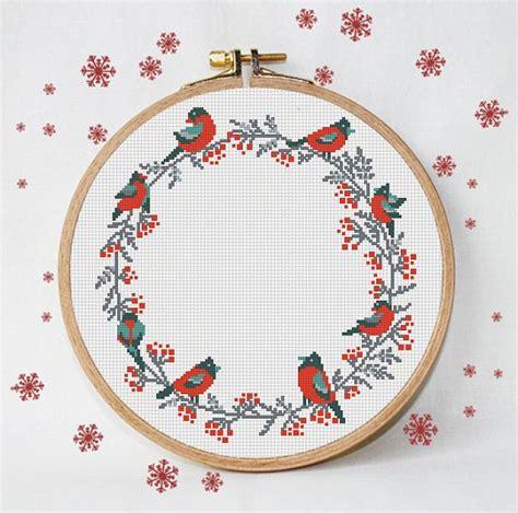 merry christmas wreath cross stitch pattern bird red