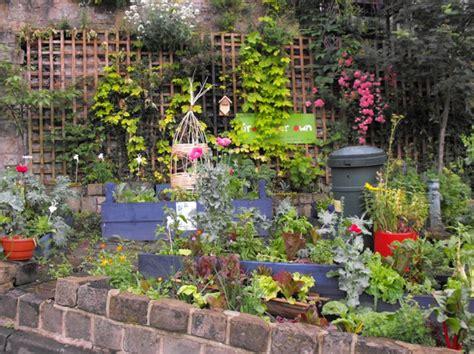 autosufficienza alimentare orti urbani giardini in viaggio
