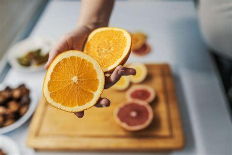 buah pilihan  mengandung vitamin  terbanyak honestdocs