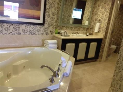 las vegas hotel with tub in room the tub picture of harrah s las vegas las vegas tripadvisor
