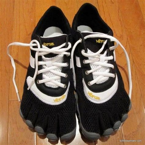 Sepatu Pantai Outdoor Water Shoes Swimming Shoes Black vibram fivefingers speed sport wear outdoor water shoes chang e 3 and barefoot