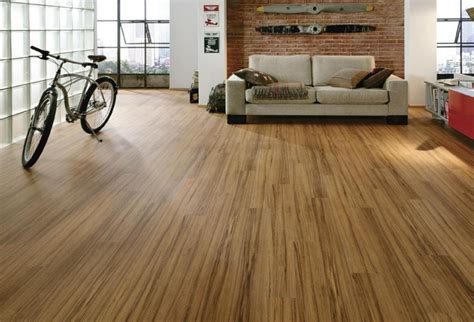 laminate flooring that looks like wood laminate flooring that looks like reclaimed wood