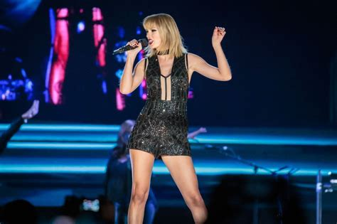taylor swift greatest hits full album taylor swift s greatest hits concert had one unexpected