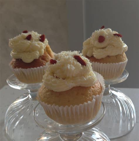 cupcakes alle bacche di goji cocco e frosting al cioccolato bianco cooking time