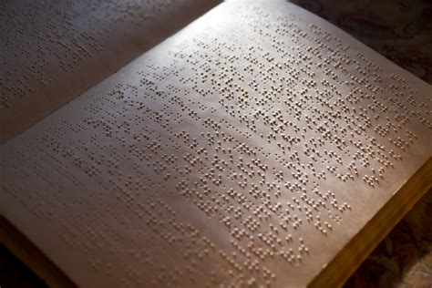 a picture book of louis braille who invented braille