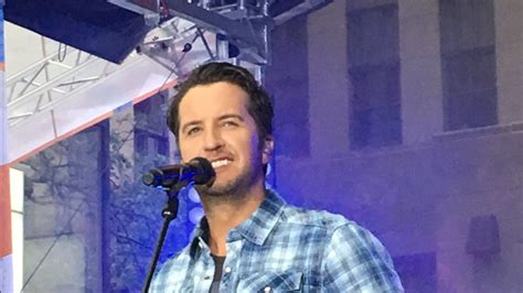 luke bryan fan club address luke bryan is doin his thing and lighting up the today