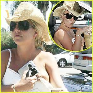Britneys Falls Out by Wardrobe Malfunction Getting Out Of Car