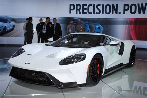 gt motor cars 2017 ford gt displayed at 2016 detroit motor show