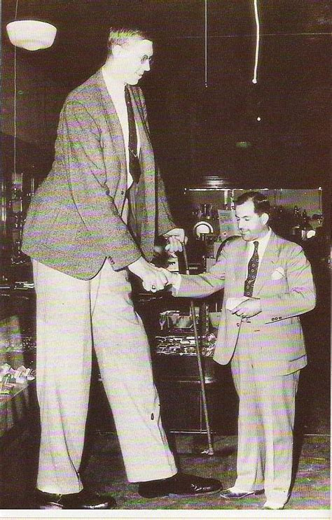 Lv Merica Lebar 13 vintage portrait photos of robert wadlow the tallest person in history vintage everyday