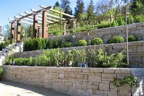 garten steinmauer steinmauer als blickfang und sichtschutz im garten 40 ideen