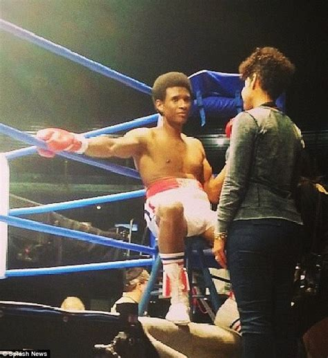 ushers tattoo on his hand on the set hands of stone usher in his role of sugar