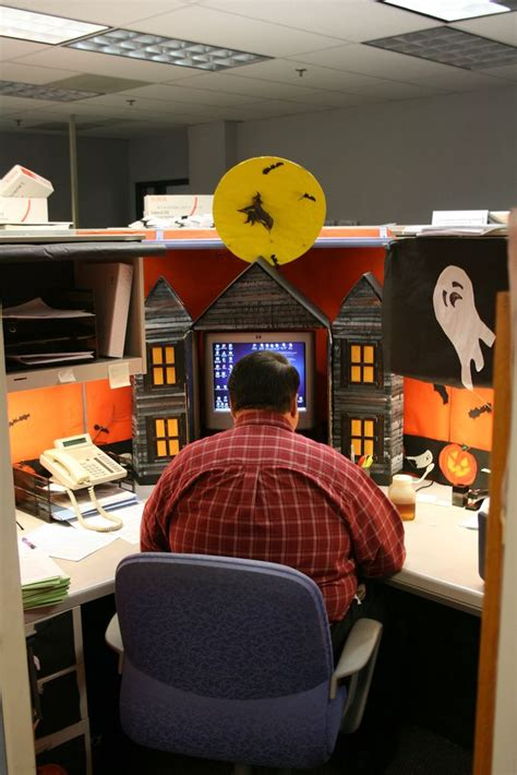 halloween themes for the workplace 1000 images about office cubicle decorations on pinterest