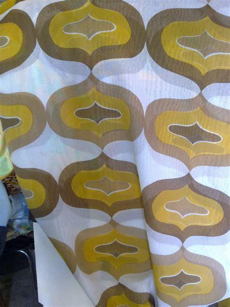 tende anni 70 taglio scolo tenda tendaggio giallo senape marrone