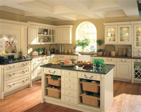 kitchen colors with cream cabinets pictures of cream colored kitchen cabinets