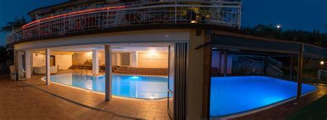 hotel rimini con piscina interna zona relax sul lago di garda piscina riscaldata spiaggia