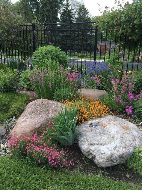 Easy Ideas For Landscaping With Rocks To Beautify Your Large Rocks For Garden