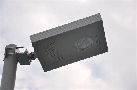 eclairage solaire led le projecteur solaire puissant zs a04 ladaire