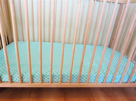 Make Your Own Crib Skirt by Plans To Build Make Your Own Crib Sheet Pdf Plans