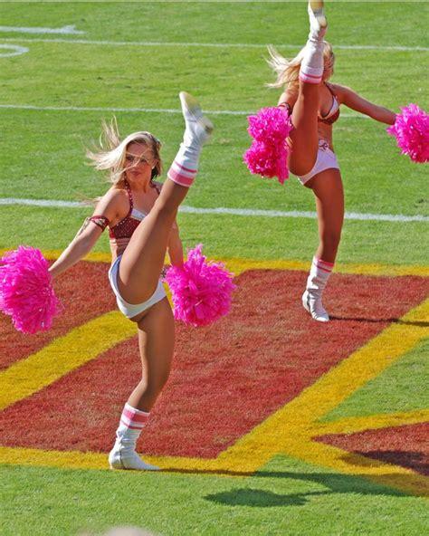 college cheerleader wardrobe malfunction 142 best cheerleaders images on pinterest