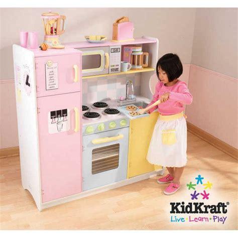 cuisine bois pour enfant kidkraft cuisine enfant en bois large pastel cuisine en
