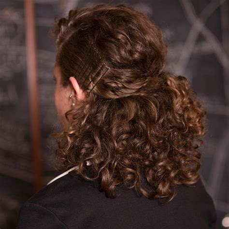 what kind of women hairstyles can i wear in the airforce top 8 curly professional hairstyles you can wear to work
