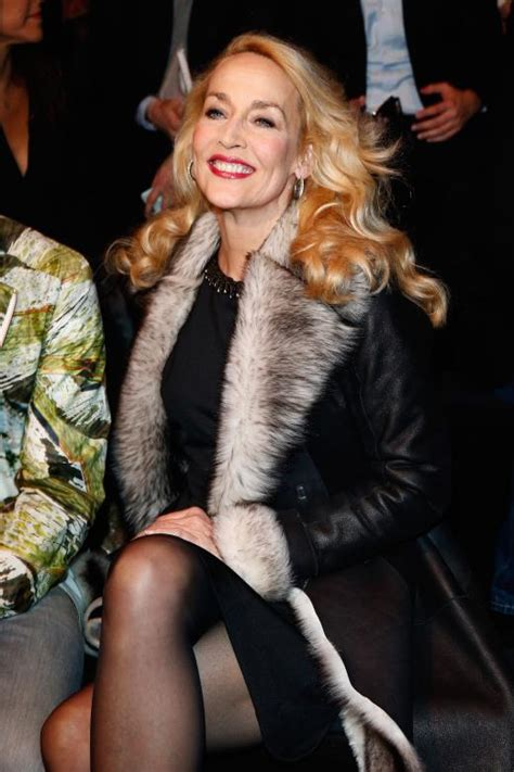it looks a h 2014 2015 jerry hall porte le lob blond modeikone jerry hall zu besuch in berlin bilder fotos