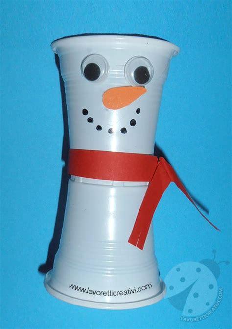 pupazzi di neve con bicchieri pupazzo neve bicchieri di plastica