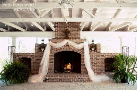 Wedding Venues With Fireplaces by 17 Best Ideas About Wedding Fireplace Decorations On