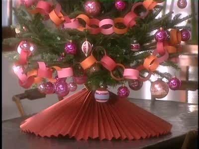 martha stewart tree skirt poinsetta thing how to make a paper tree skirt martha stewart