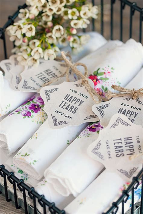 diy vintage wedding favor ideas 10 unique wedding favor ideas evermine weddings