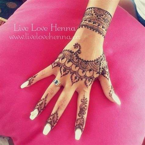 rihanna hand tattoo henna best 20 rihanna ideas on henna