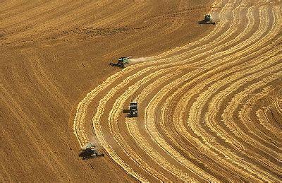 harvest house kansas ok aerial photo of kansas wheat harvest for