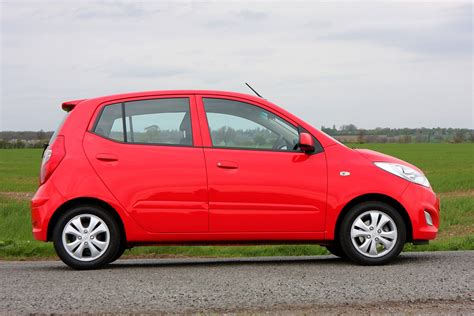 hyundai hatchback hyundai i10 hatchback 2008 2013 photos parkers