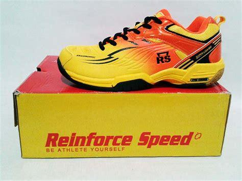 Sepatu Badminton Rs Superliga 800 sepatu badminton rs liga 800 yellow orange gudang