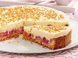 kuchen mit rhabarberkompott rhabarber sch 228 len so geht s schritt f 252 r schritt lecker