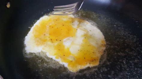 anthony bourdain scrambled eggs how to make scrambled eggs like anthony bourdain