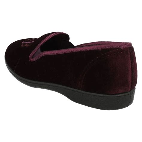 comfortable house slippers comfortable house slippers 28 images clarks