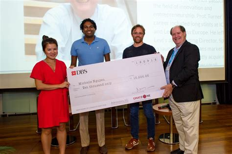Stanford Scholarship Mba Master S by Stanford Bound Student Bags Prestegious Singapore