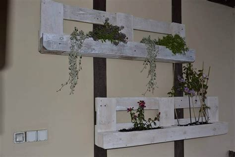 pallet planter wall hanging pallet wall planters