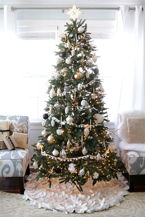white decorations for a tree black white tree ideas