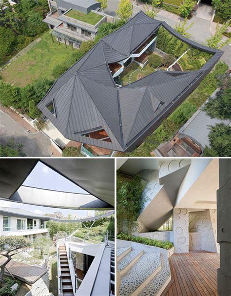modern secret garden house features vast private courtyard