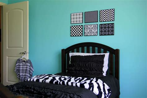 blue black and white bedroom bedroom cozy modern black and blue bedroom decoration using white flare bed valance