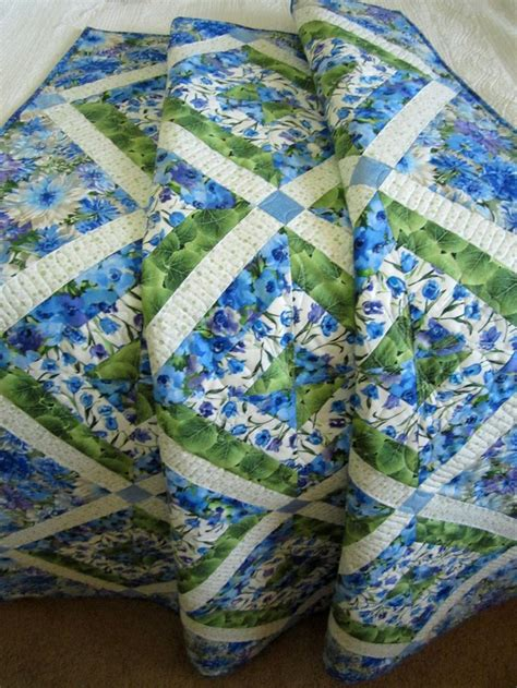 floral quilts and coverlets handmade patchwork floral quilt quilting pinterest