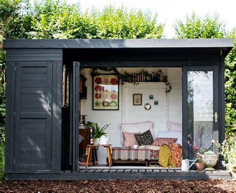 humble garden shed  hold  key  contentment