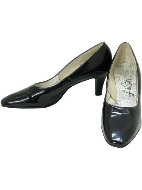 vintage 60s shoes late 60s air step womens black patent