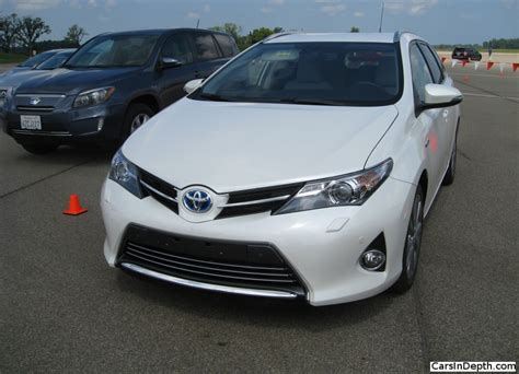 How Much Is The New Toyota Corolla Toyota Corolla And Auris Comparo How Much Difference