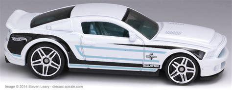 Greenlight Car Garage 69 Mustang 302 ford mustang 2005 present