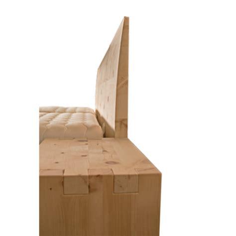 parti di un letto letto in legno massello cirmolo senza parti metalliche