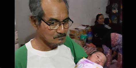 Wanita Hamil Ular Di Pakistan Mimpi Dibelit Ular Ustadzah Di Madura Melahirkan Tanpa Hamil